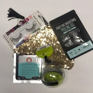 Other - Make-up Accessories ! Must Bundle for the $3 Price